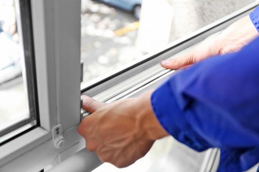 обслуживание резиновых уплотнителей пластиковых окон